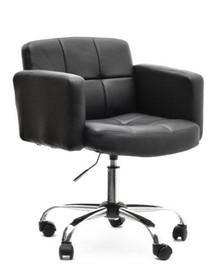 Elegancja i komfort!  Lounge 2 to niezwykle stylowy fotel obrotowy, który spodoba się wszystkim osobom ceniącym ponadczasową klasykę i styl. Czarna...