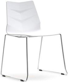 Nowoczesność i uniwersalny projekt!  Leaf 2 to niebanalne krzesło na płozach, które spodoba się wszystkim osobom poszukującym tak niecodziennych...