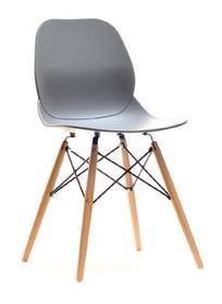 Wygoda i praktyczność!  Krzesło Leaf WOOD w doskonały sposób łączy ponadczasową klasykę z nowoczesnym designem. To niezwykle ciekawy mebel o...