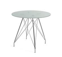 GLAMOUR 100 to stół nierozkładany o przeźroczytym szklanym blacie z frezowanego szkła hartowanego.<br />Okrągły blat stanowi lekką i...