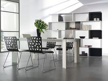 Stół SPACE to mebel, który został entuzastycznie przyjęty już na targach w Mediolanie w 2008 roku. Jego klasyczny styl w połączeniu z nowoczesnym...