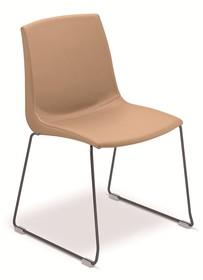 SMART to włoskie krzesło idealne do jadalni, salonu lub pokoju. Krzesło SMART ma chromowany lub malowany na kolor grafitowy stelaż w kształcie płoz. Na...