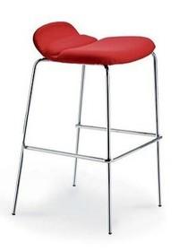 Hoker ITALIA H 75 to nowoczesny mebel, który nadaje się do baru, restauracji czy domowej kuchni. Jego wysokość to 83cm. Ma profilowane siedzisko z...