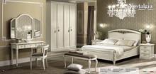 Włoska szafa 5-drzwiowa - wysoka - z frontami drewnianymi z kolekcji NOSTALGIA wykonana z jesionu i malowana na kolor biały z efektem mebla antycznego...