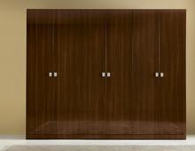 6-drzwiowa szafa wykonana z płyty laminowanej, z klasycznej kolekcji ONDA. Każdy bloki fronty są grubości 25 mm. Lakierowana na wysoki połysk w kolorze...