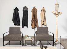 AFRA ATT to oryginalny włoski fotel barowy, który świetnie sprawdzi się również w poczekalni czy domowym saloniku prasowym. Jego stelaż...
