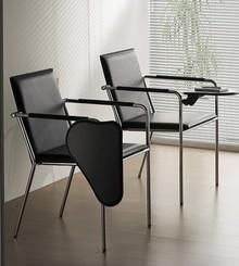 VIVO TA-CU to wysokiej jakości włoski fotel, którego stelaż jest wykonany z metalu, chromowany. Siedzisko i oparcie obszyte są wysokiej jakości...