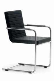 H5 LR to wspaniały włoski fotel do salonu, pokoju, a także restauracji. jego podstawa jest metalowa i chromowana. Siedzisko i oparcie mogą zostać obszyte...