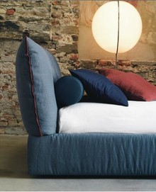 PLASIR wykonane jest z wielowarstwowego drewna topolowego. Łóżko PLASIRposiada szeroką paletę tkanin do obszycia ramy i wezgłowia. Szeroki wybór...