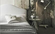 Włoskie łóżko DALIA wykonane zostało z wielowarstwowego drewna topolowego. Jest to mebel piękny i praktyczny. Łóżko obszyte jest wysokiej jakości...