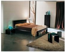 """Włoskie łóżko """"Ginevra"""" to mebel XXI wieku, ponieważ jest piękne i wygodne. Rama oraz wezgłowie łóżka wykonane zostały z..."""
