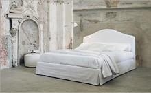 Włoskie łóżko DALIA wykonane zostało z wielowarstwowego drewna topolowego. To gwarancja użytkowania na lata. Łóżko obszyte jest wysokiej jakości...