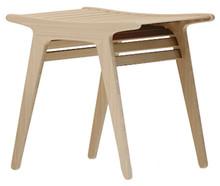 Pufa JADE - włoska - wykonana jest z drewna i na pewno zachwyci każdego. Drewno dostępne jest w różnych kolorach wykończenia (w kolorze naturalnym,...