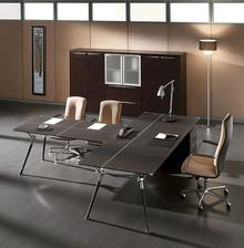 Powyższa cena dotyczy TYLKO biurka ze zdjęcia głównego - o pozostałe opcje proszę dowiadywać się telefonicznie lub mailowo. Włoskie biurko GENESIS...