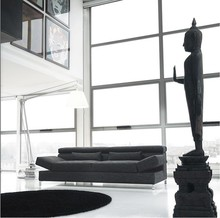 Sofa ALIANT to dynamiczny mebel, w którym zastosowano ruchome podłokietniki i podnoszony zagłówek. Mebel dzięki niemu powiększa swoją wysokość do 91...
