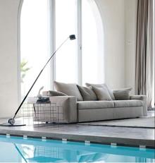Sofa BRAD to oryginalny mebel, który posiada wysokiej jakości wypełnienie z gęsiego puchu i pianek poliuretanowych. Ponadto jego ściągany pokrowiec...