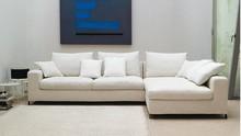 Sofa THOMAS to mebel wygodny oraz elegancki. Jego poduszki siedziskowe i oparciowe zostały wypełnione gęsim puchem oraz pianka poliuretanową, dzięki...