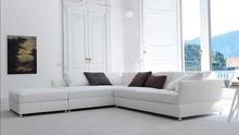 Narożnik TAO to mebel z wypełnieniem z gęsiego puchu i dacronu. W siedzisku posiada również pasy elastyczne podtrzymujące poduszki. Uniwersalny design...