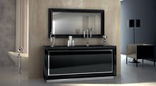 Lustro w czarnej lub kremowej ramie, lakierowanej na wysoki połysk to piękno i eleganacja sama w sobie. Połączenie nowoczesnych materiałów,...