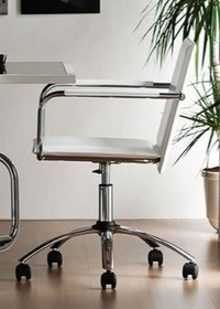 VIVO DPB- TS to włoski obrotowy fotel biurowy na kółkach. Ten model posiada podłokietniki. Całość obszywana jest skórą miękką lub tkaniną. Stelaż...
