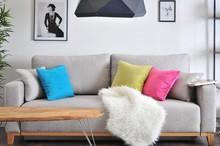 Wygodna i efektowna kanapa to niezbędny element każdego salonu. Prezentujemy najnowszy model w stylu skandynawskim o wdzięcznej nazwie SKANDYNAWIA -...