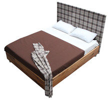 Włoskie łóżkoLORENZO 160/200cmztapicerowanym wezgłowiem i nóżkami obszytymi tkaniną. Rama łóżkawykonana...