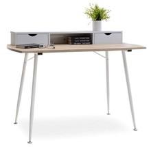 Niesamowicie praktyczne biurko w stylu skandynawskim będzie znakomitym rozwiązaniem do każdego stylowego pokoju młodzieżowego czy domowej pracowni.  To...