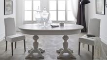 Włoski stół EVERDAY o owalnym blacie z podwójną podstawą toczoną w drewnie litym z jodły włoskiej. Stół dostęny jest w wielu wybarwieniach....