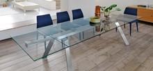 Rozkładany stół TORONTO ALL z blatem szkalnym przeźroczystym. Podstawa tego stołu jest metalowa lub dreniana. Dostępne opcje tej podstawy to: -...