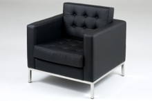 Włoski fotel replika - projekt Florence Knoll. Dostepny w kolorach skór: smerigliata e fiore, ten drugi rodzaj skóry podraża fotel o 900 zł....