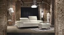 Włoska sofa Cambridge Large z kolekcji rosini sofa tapicerowana jest w czterech rodzajach tkanin lub skórze. Sofa posiada zdejmowaną tapicerkę co ułatwi...