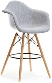 Niebywale gustowne krzesło o ciekawym kształcie spodoba się nawet bardzo wymagającym osobom. To mebel efektowny, który zachwyca niebanalnym kształtem....