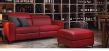 Włoska sofa Cambridge Small to nowoczesna sofa, która pochodzi z kolekcji rosini sofa. Sofa Cambridge Small tapicerowana jest w 4 rodzajach tkanin, oraz...