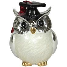 Sowa - symbol mądrości w świecie zwierząt. To niebywale spokojny i elegancki ptak, kojarzący się z nocą i czuwaniem. Figurki z podobizną sowy to...