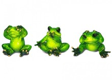 Figurka przedstawiająca wesołą, siedzącą żabkę.  Kolekcja zielonych, ceramicznych, pięknie wykonanychfigurek żab. Różne rozmiary i...