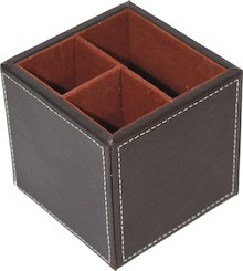 Elegancki organizer na biurko z trzema przegródkami będzie doskonałym rozwiązaniem do wszystkich stylowych wnętrz. Świetnie sprawdzi się w każdym...