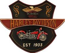 Jedyna w swoim rodzaju dekoracja ścienna ozdobiona logo Harley'a-Davidsona'a to stylowy dodatek do wnętrz. Może się znakomicie sprawdzić w salonie,...