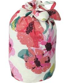 Kolorowy stoper do drzwi udekorowany kwiecistym wzorem będzie stylową dekoracją w każdym wnętrzu. Znakomicie sprawdzi się w salonie, jak i wielu innych...