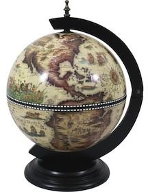 Bardzo zgrabny barek w kształcie globusa. Jedna okrągła, drewnianapodstawa i przepiękna mapa świata, sprawiają że przedmiot w idealny sposób...