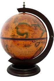 To niewielkich rozmiarów barek globus, wykończonyw ciepłej kolorystyce, może sprawić, że w nawet niewielkim wnętrzu zapanuje podróżnicza...