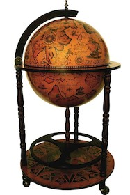 Klasyczny barek na kółkach w kształcie globusa. Przepiękne wykonanie i kolorystyka. Pod uchylaną kopułą dużo miejsca na przechowywanie butelek, czy...