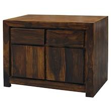 Drewniana komoda cechująca się prostą, zgrabną formą to niebywale praktyczny mebel, który wkomponuje się do wielu aranżacji. Komoda ta będzie się...