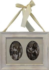 Stylowa ramka z miejscem na dwa zdjęcia będzie efektowną ozdobą w każdym wnętrzu. Może być znakomitym rozwiązaniem do salonu, sypialni czy pokoju...