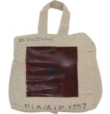 Stoper do drzwi w kształcie torby to z pewnością niebanalne i bardzo ciekawe rozwiązanie, obok którego nie da się przejść obojętnie. Prezentuje się...