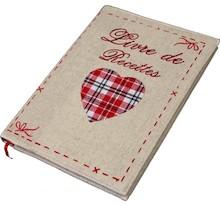 Notatnik jest przydatnym przedmiotem dla osób w każdym wieku. Może służyć do zapisywania najróżniejszych rzeczy. Ładna okładka z sercem sugeruje,...