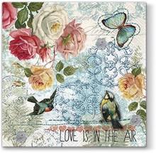 Serwetki Love Is In The Air wyróżniają się gustowną stylistyką i ciekawym wzornictwem. Kwiaty w połączeniu z ptakami wyglądają bardzo kobieco,...