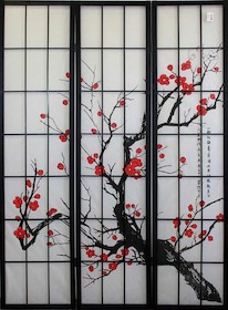 Ciekawy 3 segmentowy parawan. Rama drewniana ze szprosami, grafika z motywem roślinnym. Segmenty łączone dwoma metalowymi zawiasami.