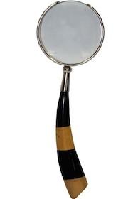 Stylowe szkło powiększające będzie doskonałym pomysłem na gustowny prezent dla bliskiej osoby. To niezwykle elegancki dodatek, który spodoba się nawet...