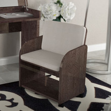 Fotel PRESTIGEMODERN wykonany z płyty MDF. Jest lakierowany na wysoki połysk w kolorze bursztynowego brązu. Siedzisko i oparcie tapiceowane jest...