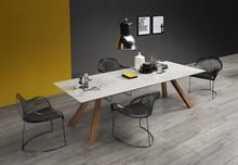 Stół Zeus MT 250x100, podtsawa tego stołu jest metalowa malowana na biało lub grafit, blat jest ceramiczny wykonany z białego marmuru. Stół Zeus,...